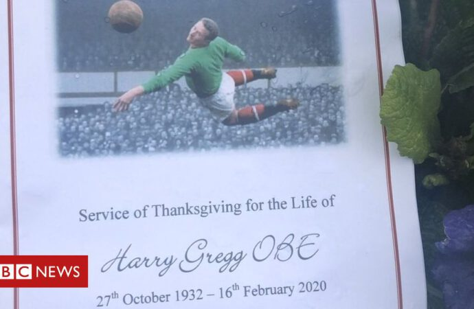 Harry Gregg: Funeral of Man United and Northern Ireland goalkeeper taking place
