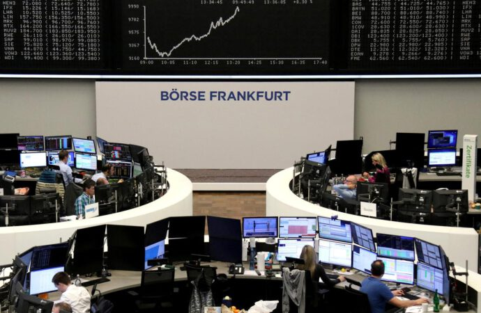 European stock index futures fall as virus fears build