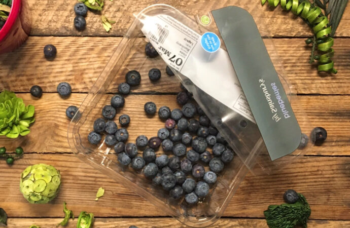 Get some Blueberries, Red Berries, and Blackberries, in your life 💕 🌿 🍇 🍓 🍒 🌿