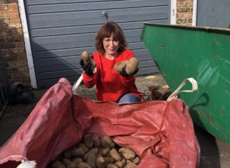Coronavirus: Lottery-winning farmer gives away potatoes to self-isolating families