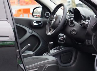 The Difference Between Automatic and Manual Car Transmissions