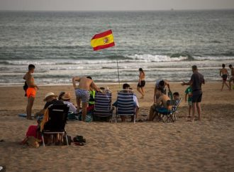 Brits in Spain are ordered into 14-day quarantine on their return