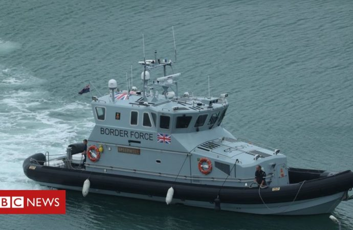 English Channel search operation after migrant crossings
