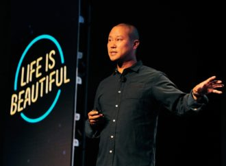 Here Are 7 Motivational Quotes from Retiring Zappos CEO Tony Hsieh