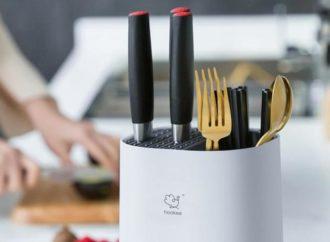The Hookee Knife Guard Is Now On Kickstarter